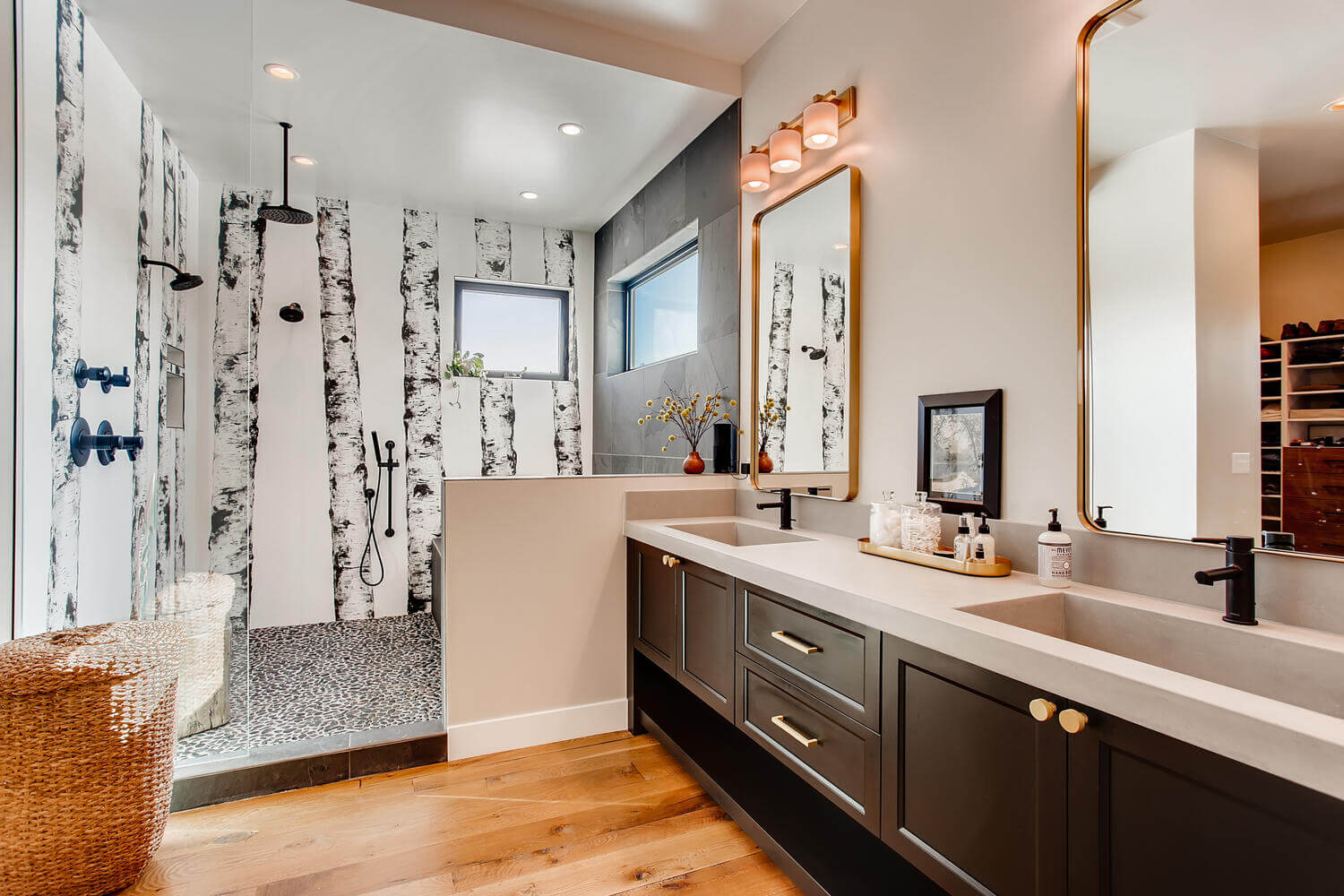 508 N. Sunset – Master Bath